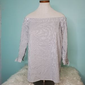 Artisan NY off the shoulder button back top XL